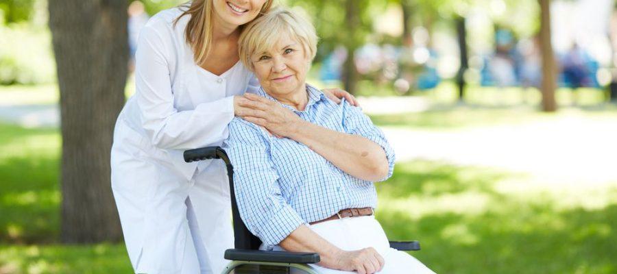 entenda-como-contratar-um-cuidador-de-idosos-ideal-para-as-suas-necessidades.jpeg