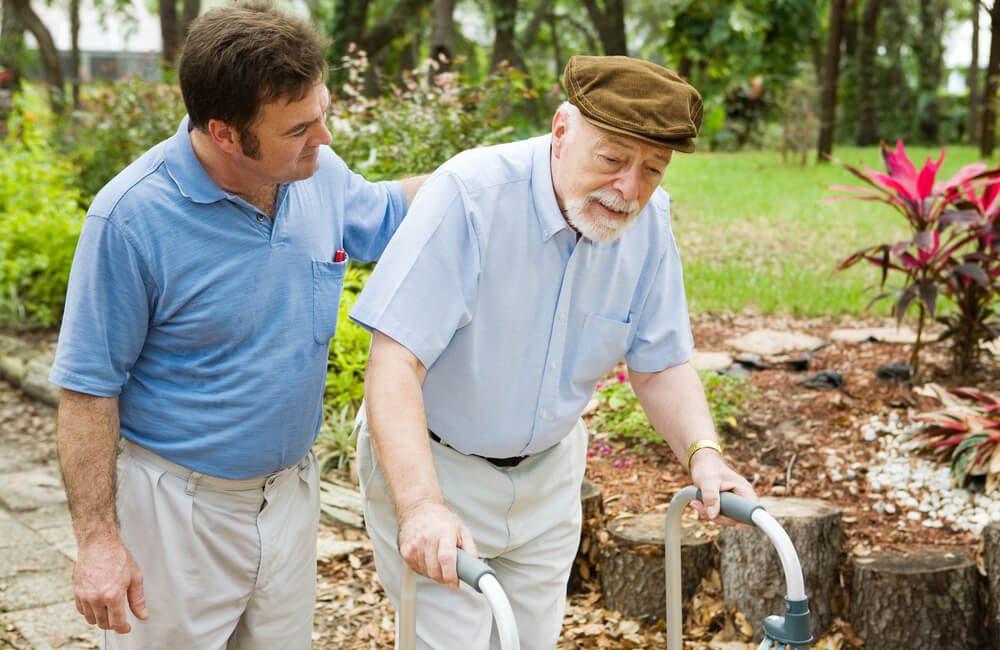 5-fatores-essenciais-para-optar-pelo-cuidador-de-idoso.jpeg