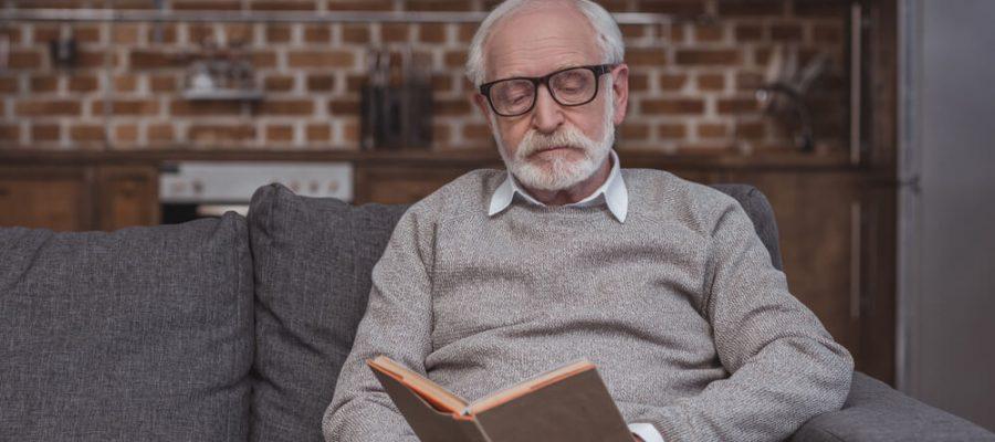 por-que-e-importante-incentivar-a-leitura-para-idosos.jpeg
