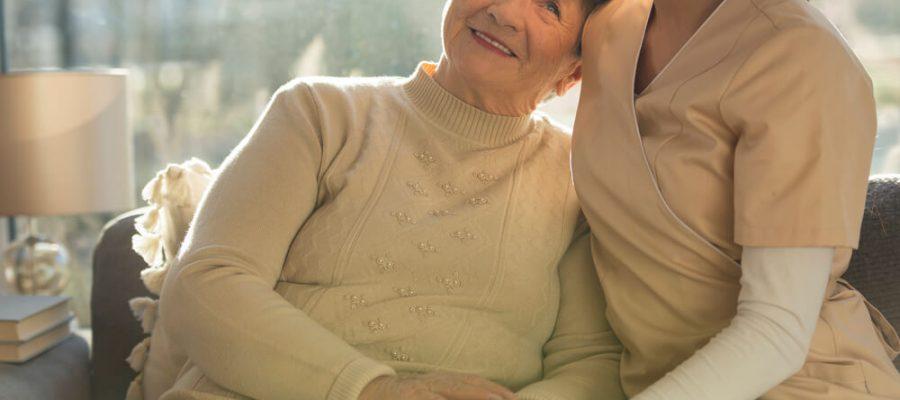 afinal-quando-um-cuidador-de-idoso-e-necessario.jpeg