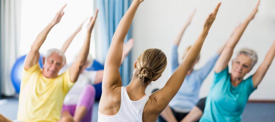 fique-por-dentro-de-8-beneficios-da-yoga-para-idosos.jpeg