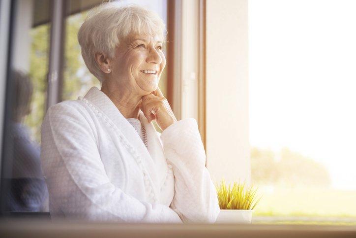 4 vantagens do banho de sol para a terceira idade