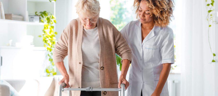 veja-alguns-produtos-que-podem-melhorar-a-qualidade-de-vida-dos-idosos.jpeg