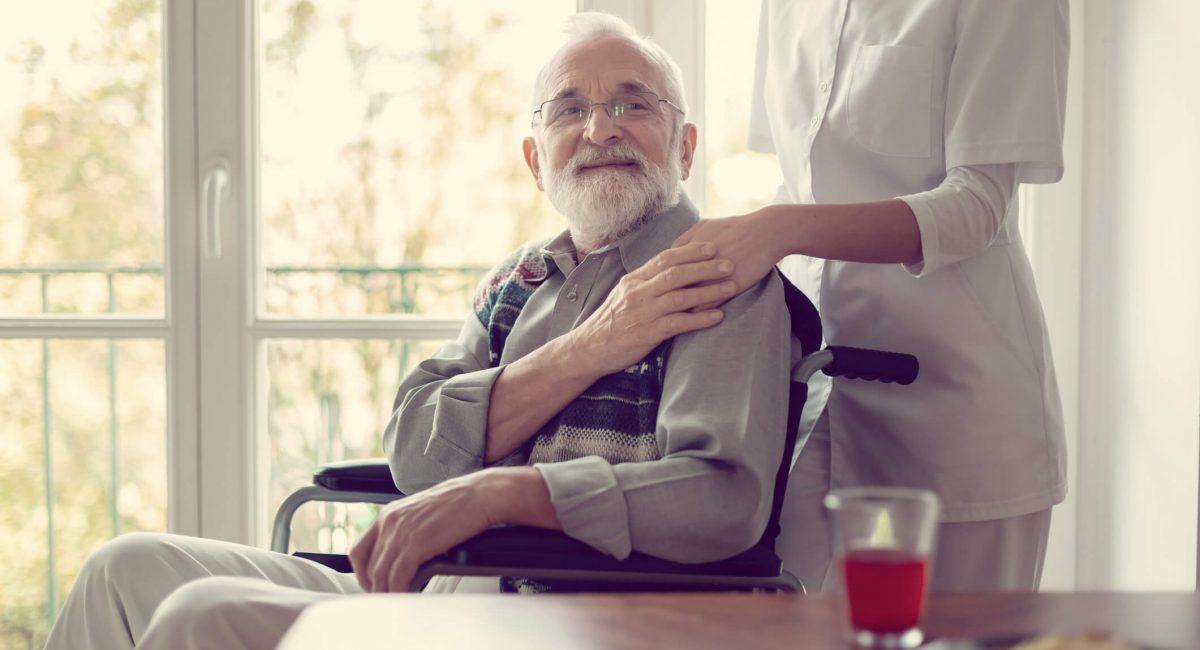 conheca-os-beneficios-do-atendimento-domiciliar-ao-idoso.jpeg